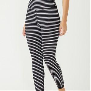Nwt glyder 7/8 black white striped leggings Xs
